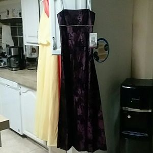 SK & Co. Inc. Dresses - Dresses